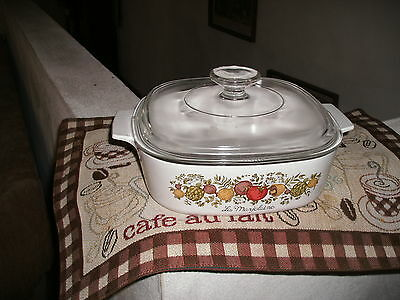 CORNING WARE 7 IN. SPICE OF LIFE  HANDLED  CASSEROLE   DISH WITH LID