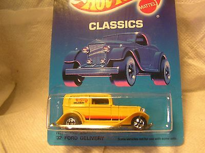Hot wheels (Yellow Classics '32 Ford Delivery Plastic Tires # 4367) Race