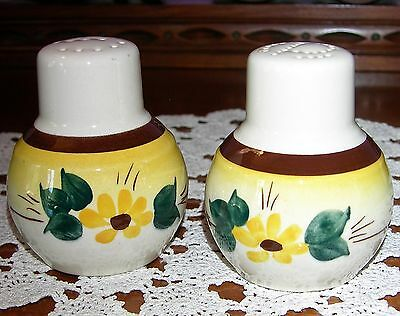 VERNON KILNS ~ Brown Eyed Susan Salt & Pepper Shakers Hand Painted ~ VINTAGE USA