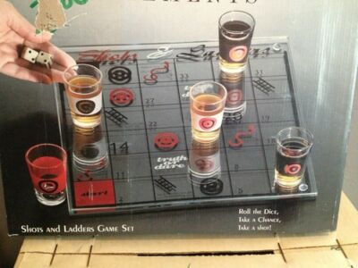 SHOTS AND LADDERS DRINKING GAME !  NEW IN THE BOX! PARTY GAME!