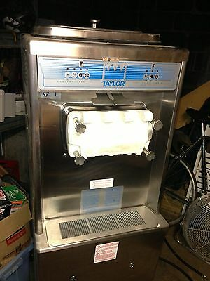 Taylor Ice Cream Machine 336 **220V, WATER COOLED**
