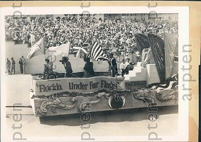 1928 Coral Cables FL Presented Float at Shrimers Parade Last Week Press Photo