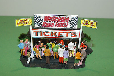 TICKET BOOTH with 20 PEOPLE  for  AFX ,TYCO LAYOUTS with SLOT CAR GRANDSTANDS