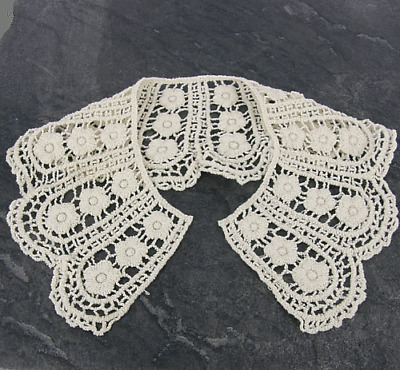 Vintage Period Guipure Lace collar Ivory Lace Sewn On Dressmaking LC40 1 pair
