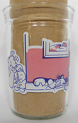 1994 Welch's Looney Tunes Straight Jelly Jar Glass #3-Sylvester Stalking Tweety