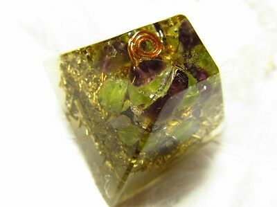 Peridot + Amethyst on wire - Healing orgone energy - Be happy and relax :-)