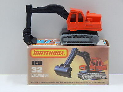 Excavator (Red with Black Boom) - Made in England Matchbox 32