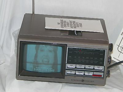 "Genral Electric 1987 - Spacemaker - Kitchen Companion - Radio & B&W 5"" T.V. NEW!"