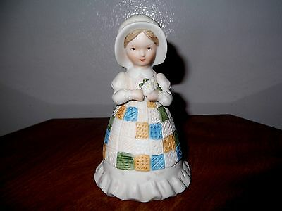 VINTAGE HOLLY HOBBIE COLLECTORS BELL LITTLE GIRL A MOTHERS REMEMBRANCE 1981