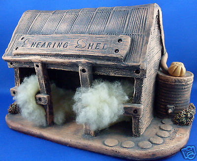 Aussie HANDCRAFTED Small POTTERY SHEEP SHEARING SHED Man Cave VG - in Australia