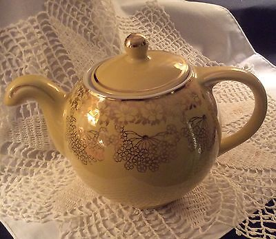 TEAPOT HALL GLOBE NO-DRIP INVERTED SPOUT YELLOW HEAVY GILDING MID-CENTURY MINT