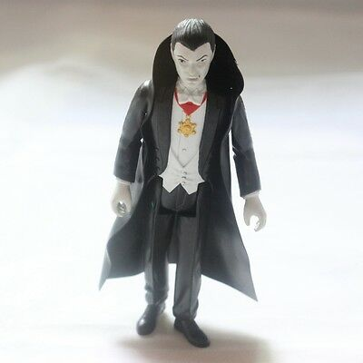 Universal Monsters Dracula ReAction 3 3/4-Inch Retro Action Figure DB32