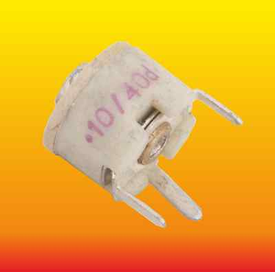 (10-40) pF LOT OF 10 RADIAL 3 PINS VARIABLE CERAMIC TRIMMER CAPACITORS
