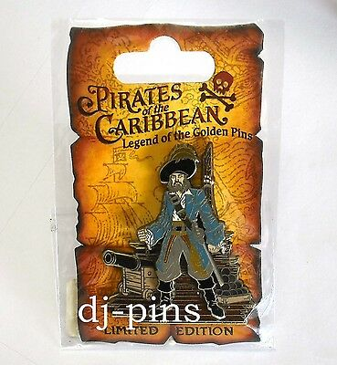 Disney DLR Pirates of the Caribbean Pirate with Cannon LE Pin