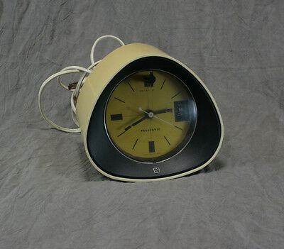 Vintage 60's-70's Retro Panasonic Clock/Radio Model RC-1091