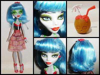 Monster High Skull Shores Ghoulia Yelps Doll and Coconut Brain Drink