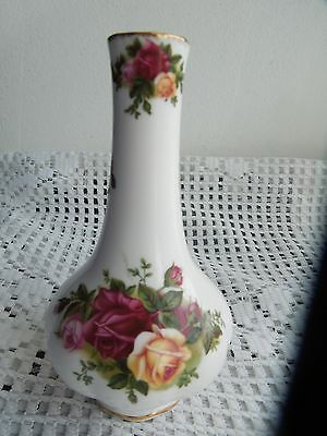 Vintage Royal Albert small bud vase .Old Country Rose, Bone China England