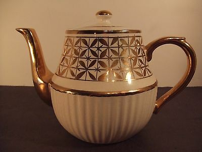"RARE VINTAGE ARTHUR WOOD OF ENGLAND WINDSOR TEAPOT WITH LOTS OF GOLD 6"" HIGH"