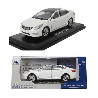 Pino B&d HYUNDAI GRANDEUR 1:38 Diecast Miniature Display Front Door Ellis White
