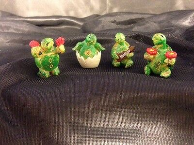 """ MINI TURTLE MARIACHI BAND WITH 4 FIGURINES"" D4"