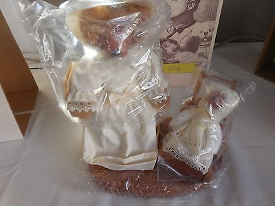 Raikes Bears # 661433 Charlotte and Toby Mother's Day 1990 w/Stand & Tags