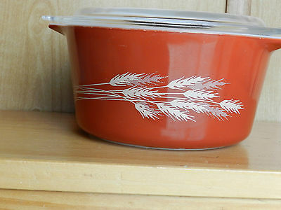 PYREX BURNT ORANGE 1 QUART BOWL WITH LID WHEAT PATTERN STRIGHT SIDE