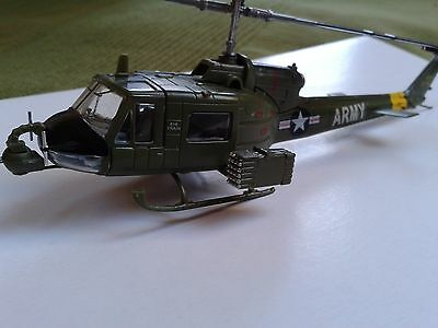 UH-1 B Huey Bell - BIG TRAIN - 1/72 - 335th AHC - painted model