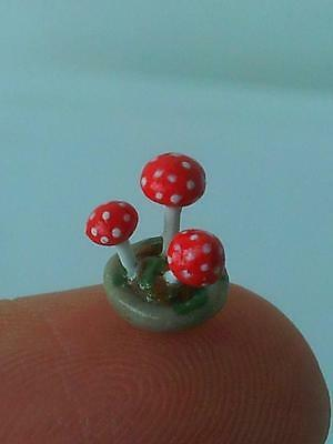1:48 scale red MUSHROOMS POT by artisan C. ROHAL OOAK 1/4 quarter dollhouse