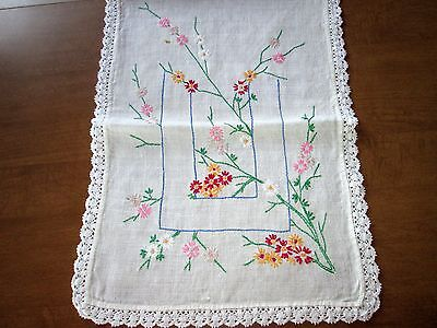 TABLE RUNNER SCARF VINTAGE - 13 x 36 Linen Embroidered Crochet Off-white Florals