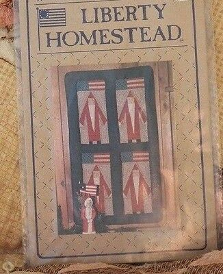 Liberty Homestead Americana Father Christmas Quilting Wall hanging Pattern