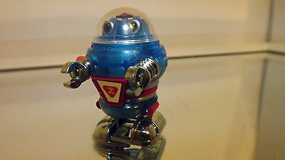 VINTAGE TOMY WALKING WIND-UP ROBOT TOY, PLASTIC, 1977 TAIWAN