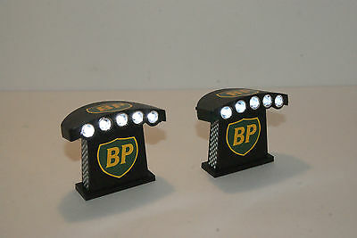 BP  LIGHT TOWERS PAIR a GREAT ACCESSORY for LAYOUTS with  SLOT CAR  GRANDSTANDS