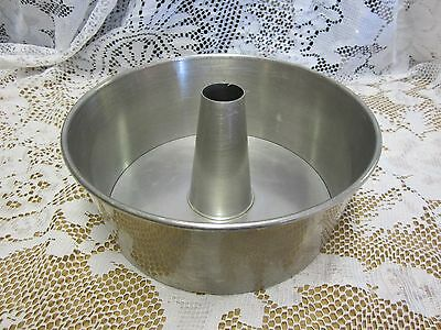 West Bend Aluminum USA Baking Cake Pan w/ Removable Insert