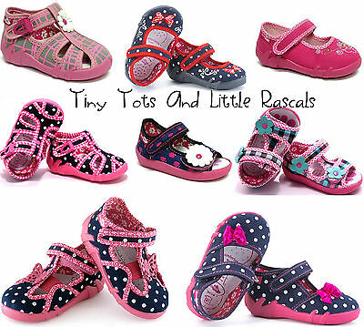 Girls canvas shoes nursery slippers plimsolles pumps sneakers Size 3 - 9 New!