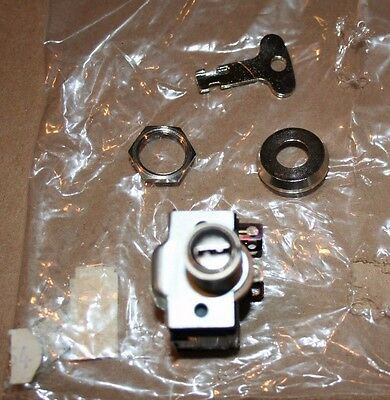Cutler & Hammer Key Switch with Mounting Trim Key Two Circuit Lock In On New