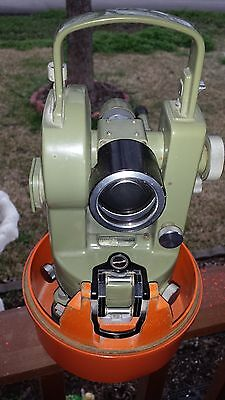 VINTAGE THEODOLITE TRANSIT LEVEL WILD HEERBRUGG MADE IN GERMANY WITH TRIPOD