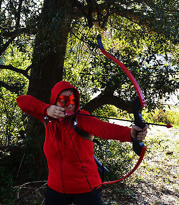 Replica Red Arrow Recurve Bow (Arsenal / Speedy), Quiver, and 4 Cosplay Arrows