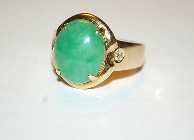 Vintage Green Apple Jade And Diamonds 14K Yellow Gold Ladies Ring Size 6