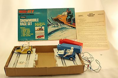 Lincoln High Rev Snowmobile Slot Racing Set. Complete! Works Great! Video Demo!