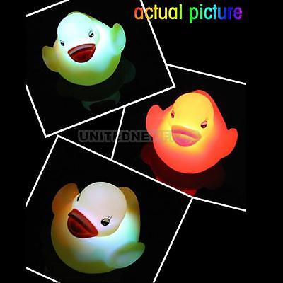 1 x Baby Kids Funny Bath Toy Multi Color Changing Yellow Duck Flashing LED Light