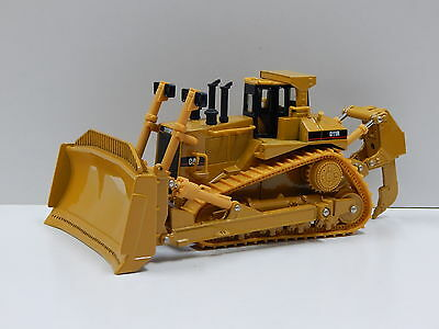 1:50 Cat D11R Track Type Tractor Norscot 55025