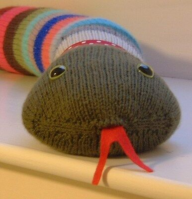 Knitted Draught Excluder Pattern : chicken doorstop knitting pattern 99p