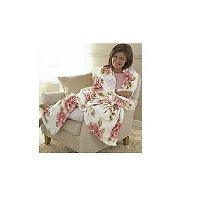 Fleece Blanket with Roses Diana Cowpe Vintage Style Snuggle Up 51'' x 74''