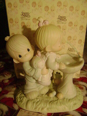 "Precious Moments figurine - ""YOUR LOVE IS SO UPLIFTING"" #520675 - 1993 - RETIRED"