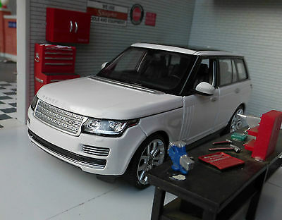 Range Rover L405 TD6/4.4 V8 White HSE Vogue Very Detailed Rastar Diecast Model