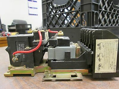 Square D Lighting Contactor 8903 LX0 60 24V Coil Used