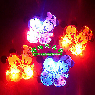 Lot Mickey Minnie Flashing LED Light Up Badge/Brooch Pins Christmas Gifts N237