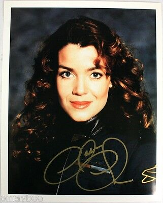 "Autographed 8""x10"" Photo of Claudia Christian in BABYLON 5 as Susan Ivanova"