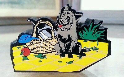 Shelia's Collectibles – 2000 Wizard of Oz, Toto in the Picnic Basket - OZO 18