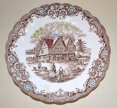 Vintage HERITAGE HALL COLONIAL OVERHANG IRONSTONE 4411 PLATE, MADE IN ENGLAND